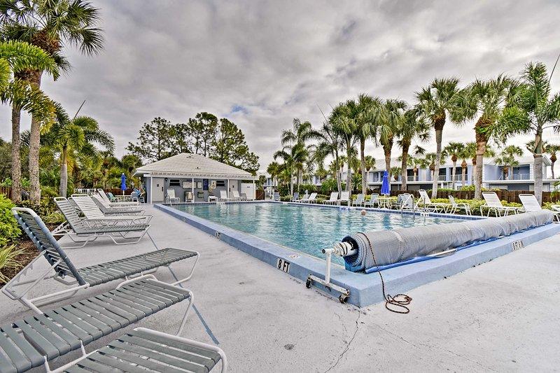 Potrete rilassarvi nella piscina comunità con i vostri cari.