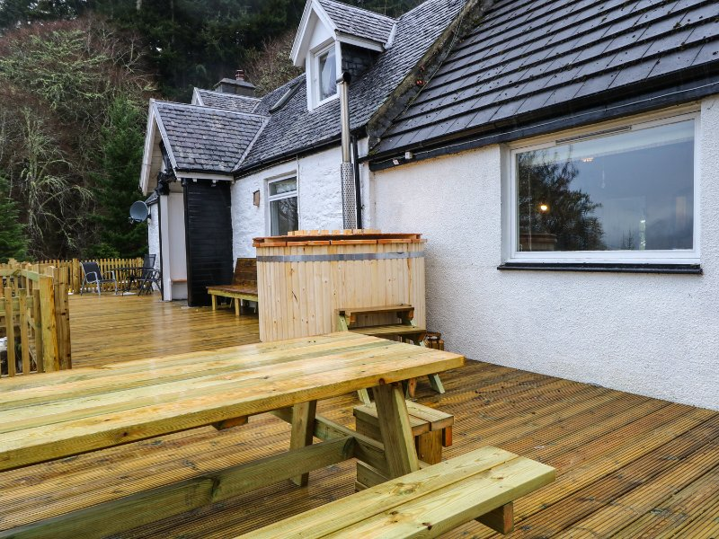 GUISAICHEAN, WiFi, Sky TV, views of Loch Ness, Ref 953322, holiday rental in Invermoriston