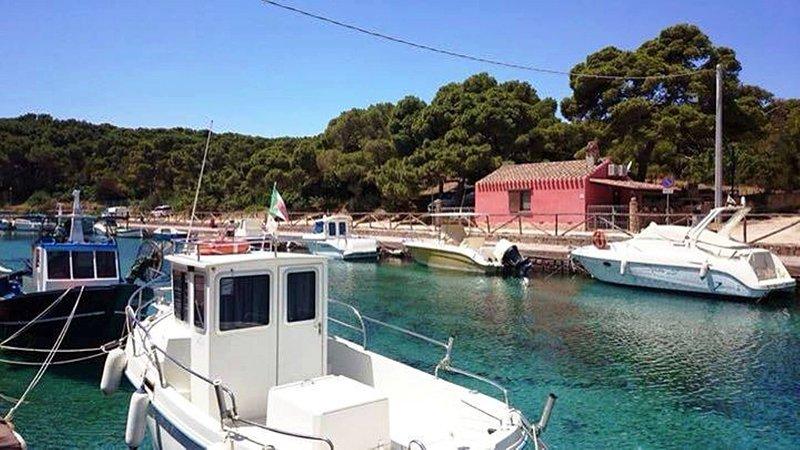 die Villa und Yachthafen