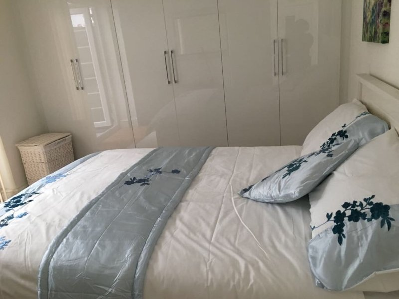 Luxury Double Room with a private Bathroom, Ferienwohnung in Hounslow