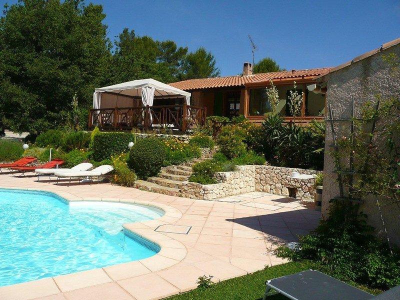 Jacuzzi in the pool, µvilla Victoria Aix en Provence