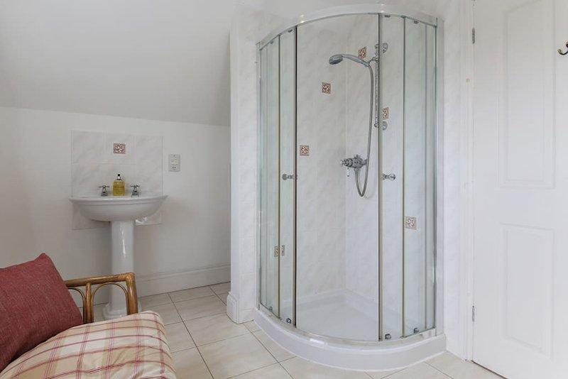 suite principal mostrando la ducha