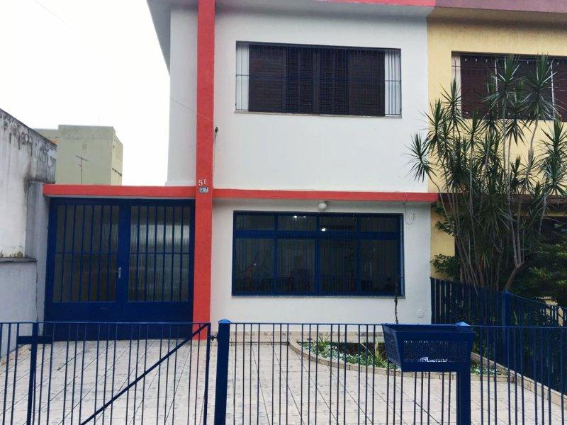 Quarto Inteiro em Casa Compartilhada_15min do Aeroporto_Free WIFI+Churrasqueira, location de vacances à Aruja