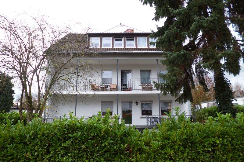 Gästehaus-Koblenz / ERDGESCHOSS max. 12 Personen, location de vacances à Coblence