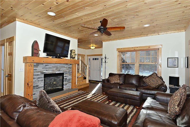 Lazy Bear Lodge, holiday rental in Wolcott