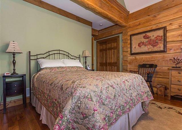 Dormitorio principal con la reina
