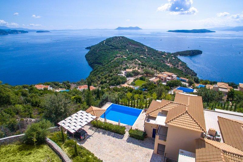 VILLAS ADIORA - Luxury Spacious Villas for Big Groups, holiday rental in Mikros Gialos