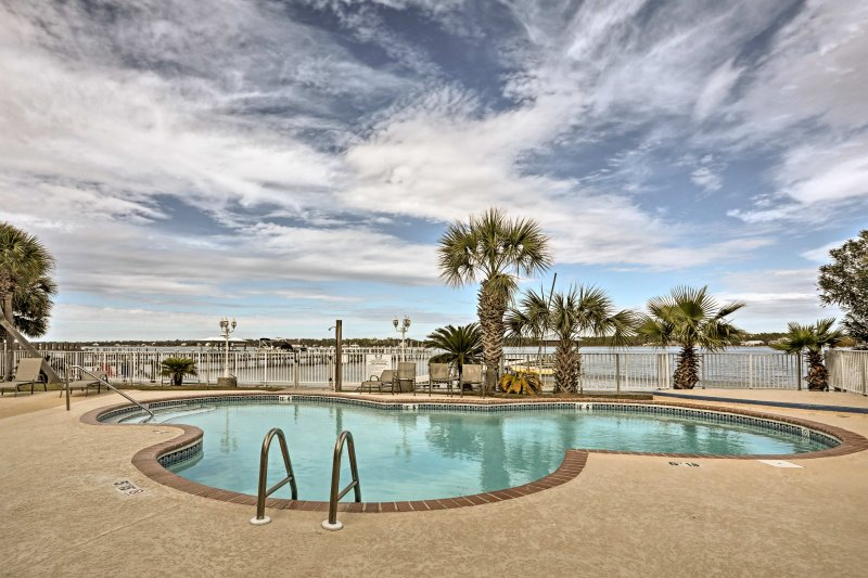 Dive into your next big Gulf Shores getaway at this vacation rental condo on the coast!