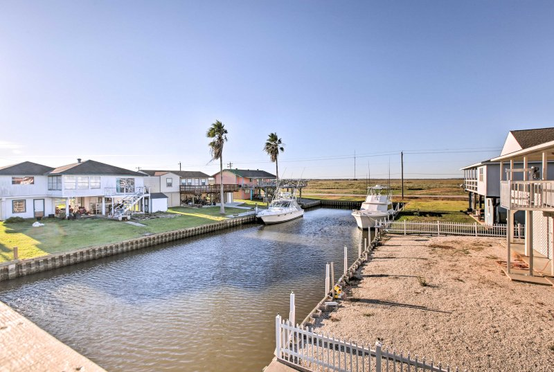 Bring the boat and launch daily fishing excursions from the community ramp site.