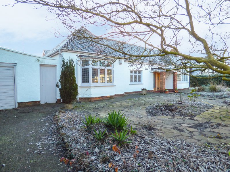 6 WOODLANDS ROAD, modern interior, enclosed garden, in Chester, Ref. 949342, holiday rental in Higher Kinnerton