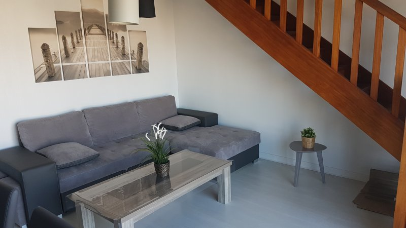 Très bel appartement en Duplex vue mer pour 6 personnes, vakantiewoning in Roscoff