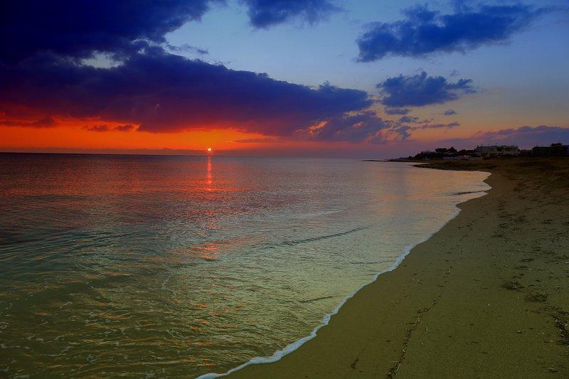 magnífica puesta de sol en nuestras playas