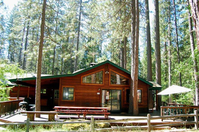 Deer Lodge Cabin