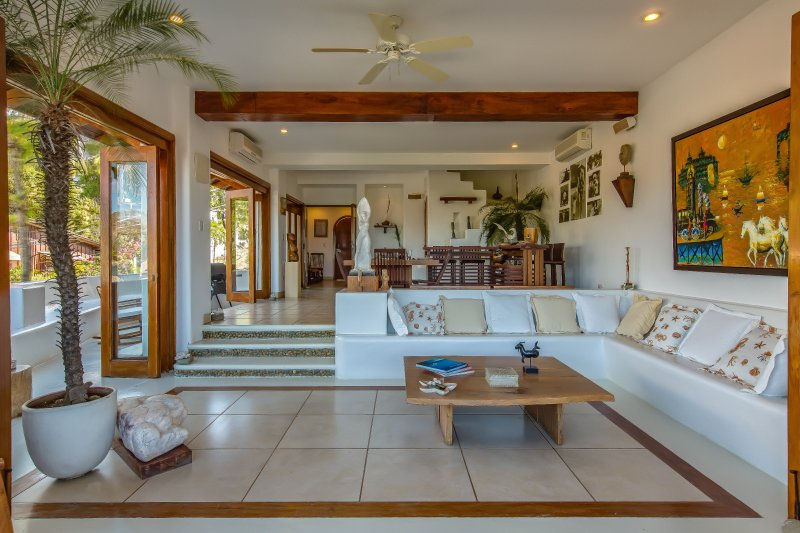 2 Bedroom Vacation-Condo with Ocean View - Downtown San Juan del Sur (F1), holiday rental in Playa Maderas