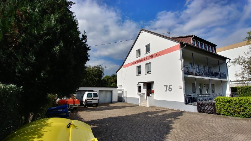 Guesthouse-Koblenz with parking spaces for our guests
