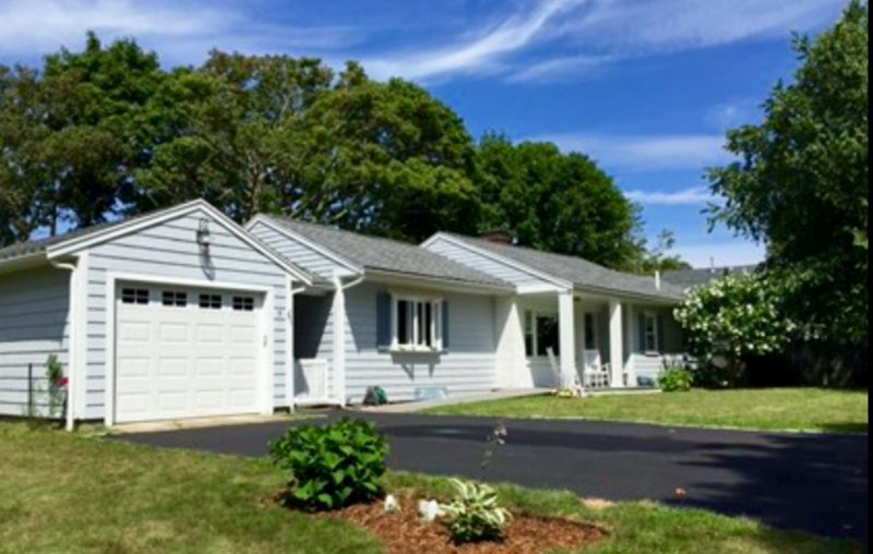 Great downtown Falmouth Vacation Home, holiday rental in Woods Hole