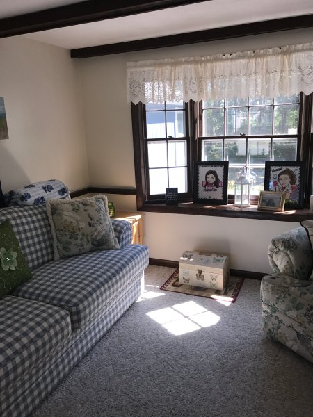 Sunroom #2 with cable TV