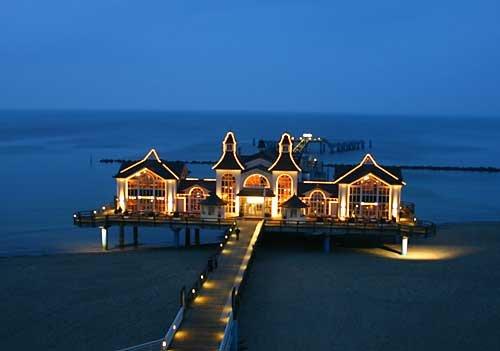 Sellin pier at night