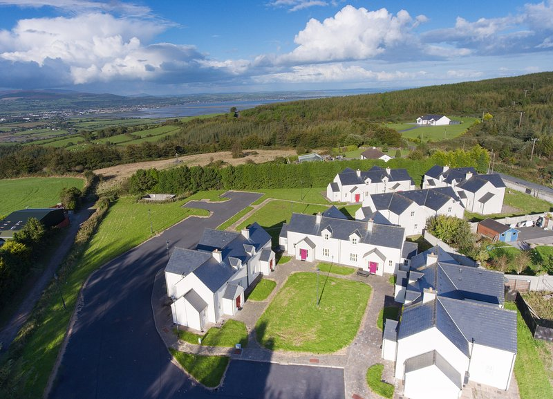No 9 An Seanachai Holiday Homes - UPDATED 2019 - Holiday