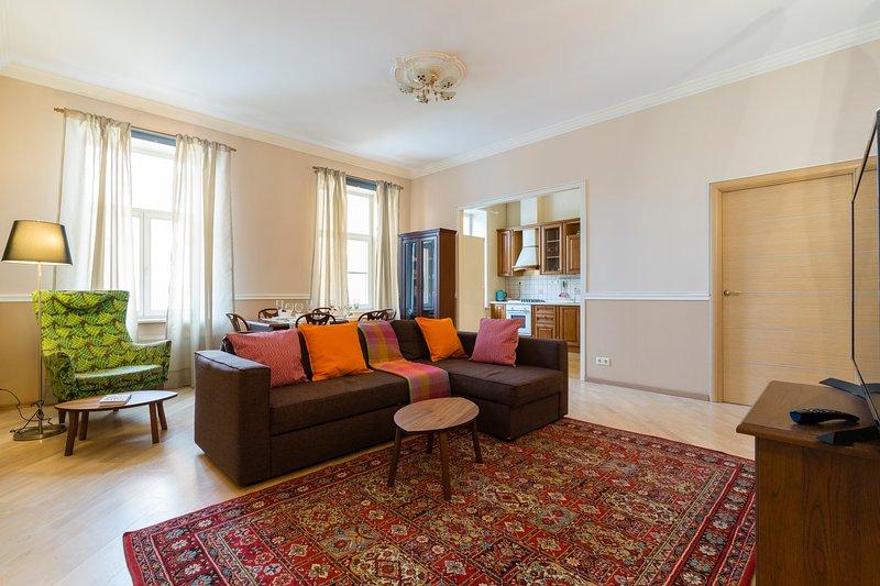Lounge e vista della cucina