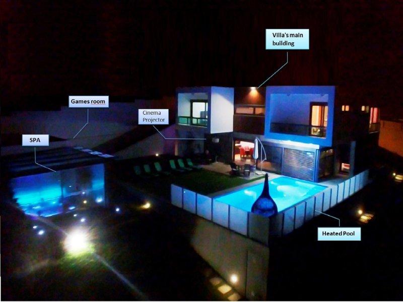 'Beverly Hills' AWARDED lux villa! Sea view! SPA! Private Chef!, casa vacanza a Gradil