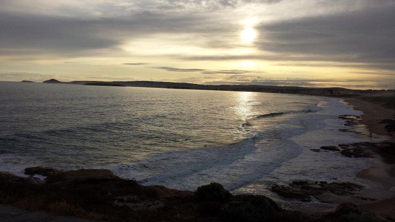 Vue au coucher du soleil depuis le balcon à Meridian Port Elliot Location vacances hébergement