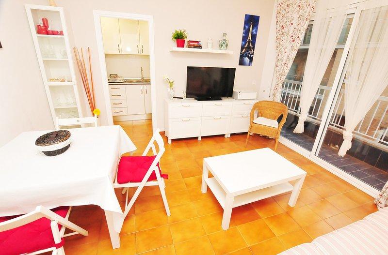 OP HomeHolidaysRentals Happiness - Costa Barcelona, vacation rental in Calella
