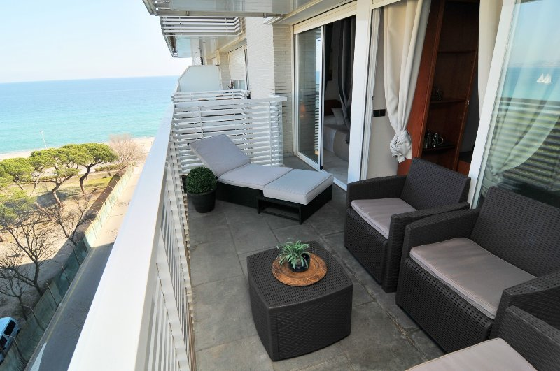 OS HomeHolidaysRentals Blanes ll - Costa Brava, vacation rental in Blanes