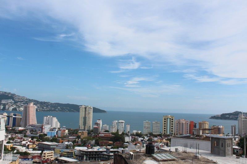 La mejor vista de toda la bahía desde la comodidad de tu balcón.
