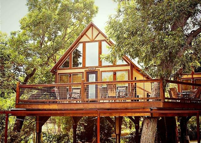 WATER FRONT Cabin * Geronimo Creek Retreat! PaddleBoard, Kayak, Swim!, casa vacanza a Kingsbury