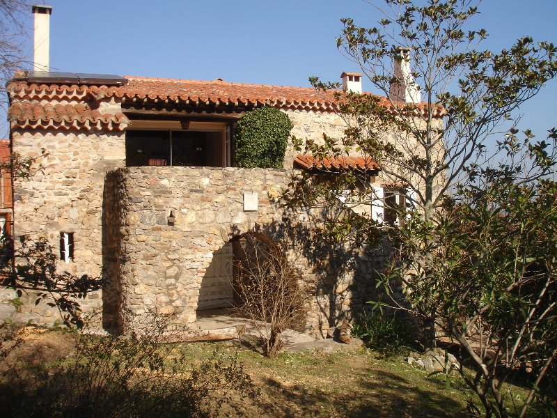 Magnificent Farmhouse, private garden and pool. Nr Argeles Sur Mer and Collioure, Ferienwohnung in Argeles-sur-Mer