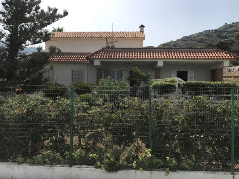 Beach villa in the green with views of the Aeolian Islands. Beautiful scenery.
