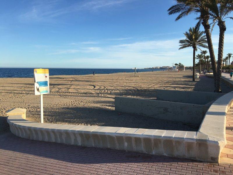 beach salinas