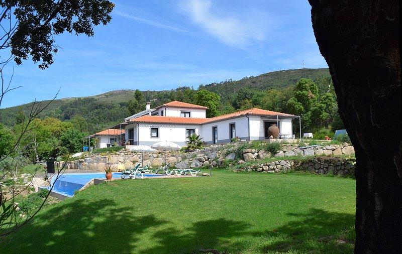 Pirilampo, Luxe appartement met prachtig uitzicht en infinity pool, casa vacanza a Monchique