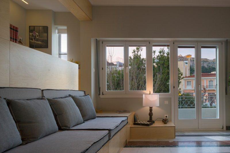 salon-salle à manger avec vue sur l'Acropole
