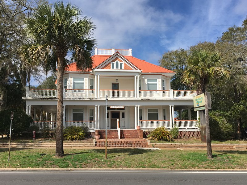 The Majestic Jewel of Apalachicola built in 1908.