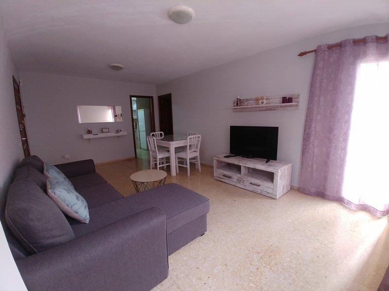 APARTAMENTO AMPLIO Y ACOGEDOR, vacation rental in Puertito de Guimar
