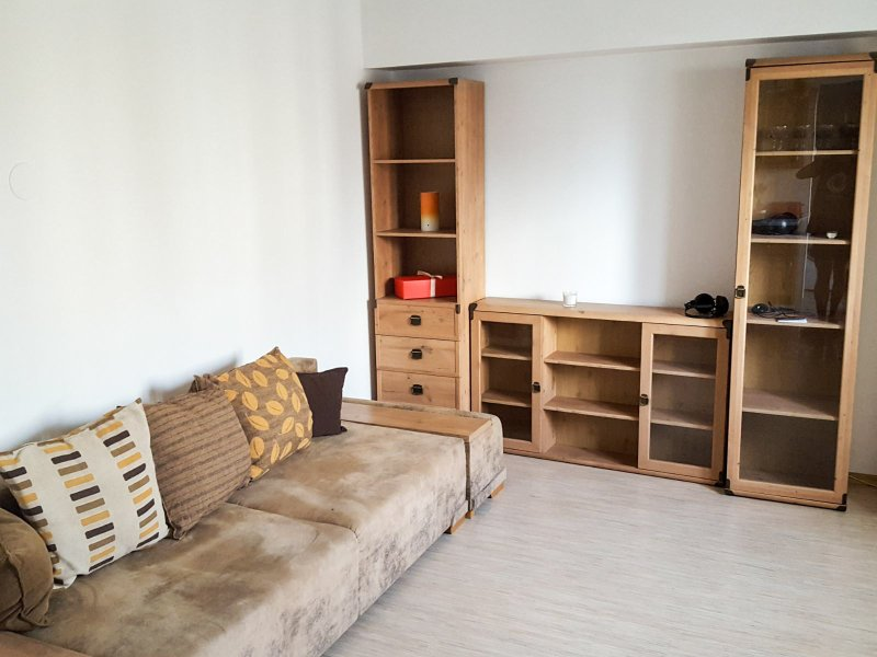 Central Apartment in Beautiful Jewish Quarter, holiday rental in Pantelimon
