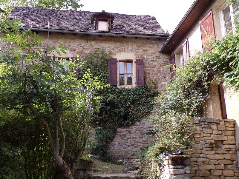 Domaine du Lirio sur 3 hectares 10 personnes, holiday rental in La Canourgue