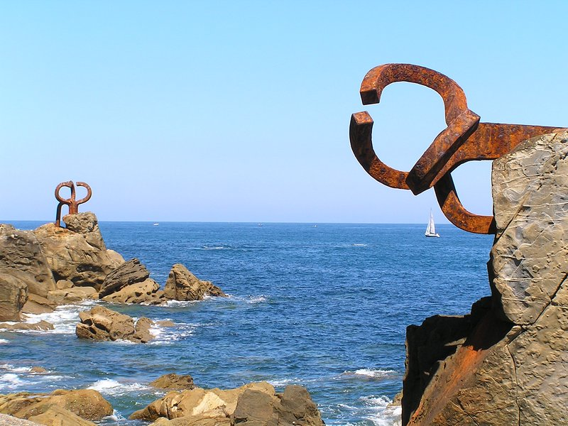 Chillida skulpturer vid san sebastian