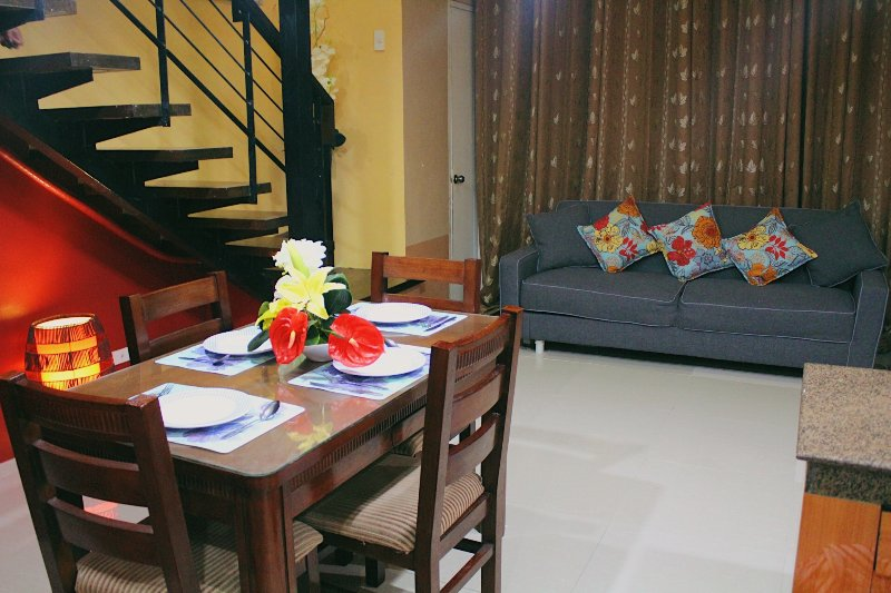 Loft Condominium Club Ultima Residences, vacation rental in Talisay City