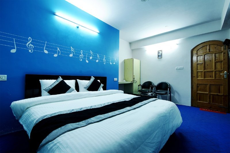 We are here to host you.. Bedroom #5, holiday rental in Mashobra