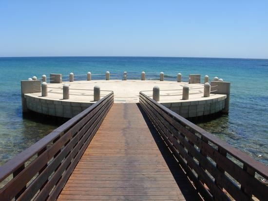 A few steps from the beautiful beaches and avolesi coolest places in the south-east Sicily