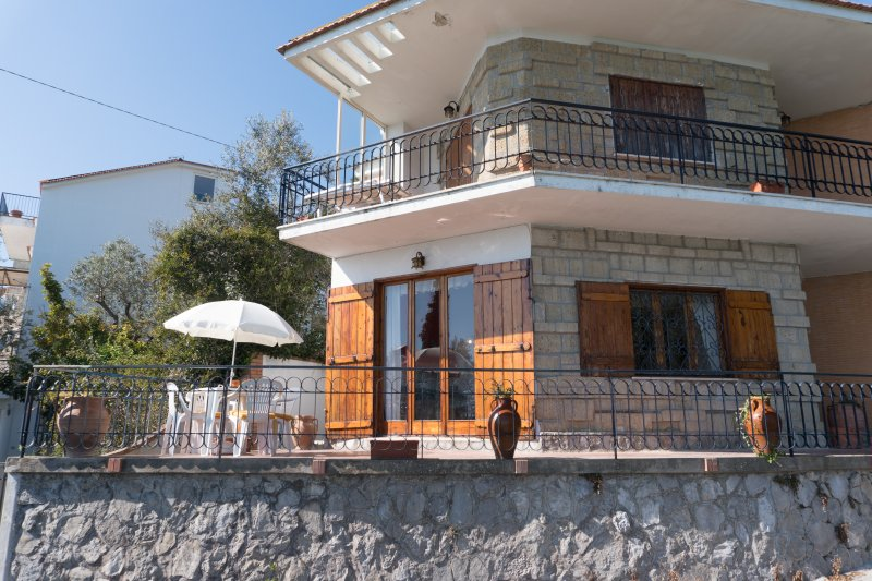 Casa Dolce Vento, holiday rental in Sant'Agata sui Due Golfi