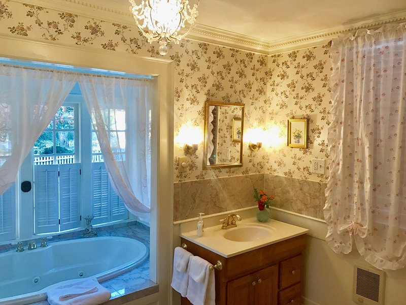 English Country House Style Bathroom