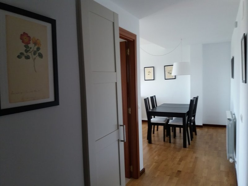 Piso seminuevo totalmente equipado, holiday rental in San Asensio