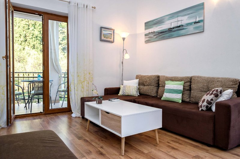 Zlataric Apartments: Luxury Holiday Apartment, vacation rental in Stari Grad