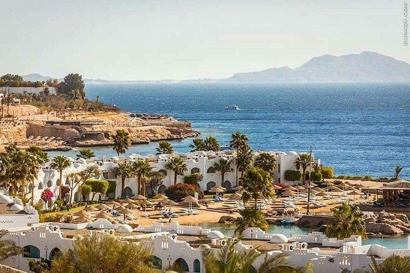 Unique modern furnished sea front studios inside domina Coral bay 5*resort, holiday rental in Sharm El Sheikh