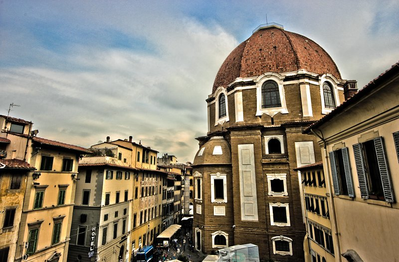 Vista desde la ventana (Capilla de los Medici en el primer plano)