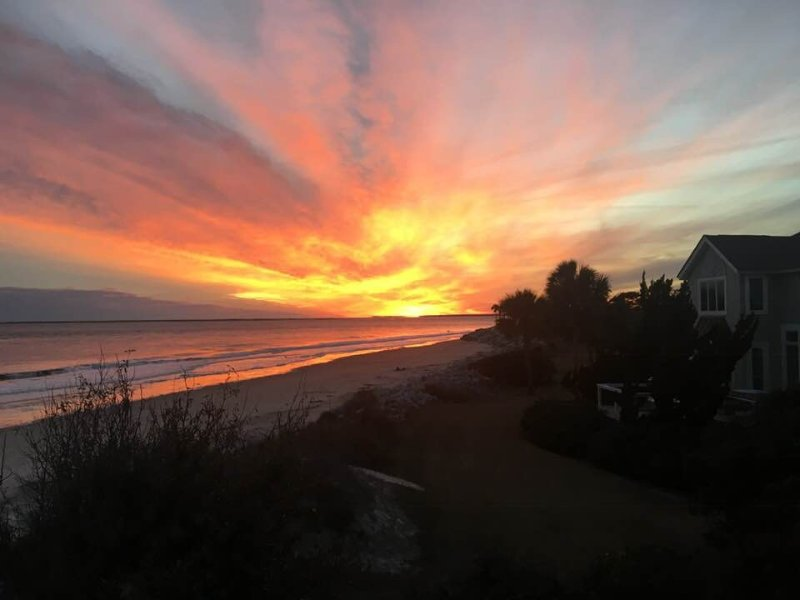 Start your vacation at 767 Spinnaker Beach House